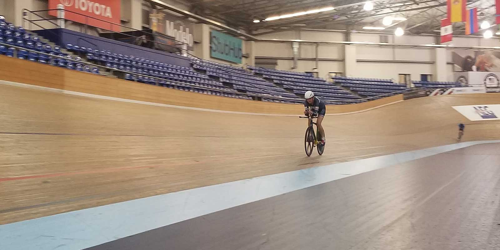 Bev races Lavra TT using LEOMO bike fit technology